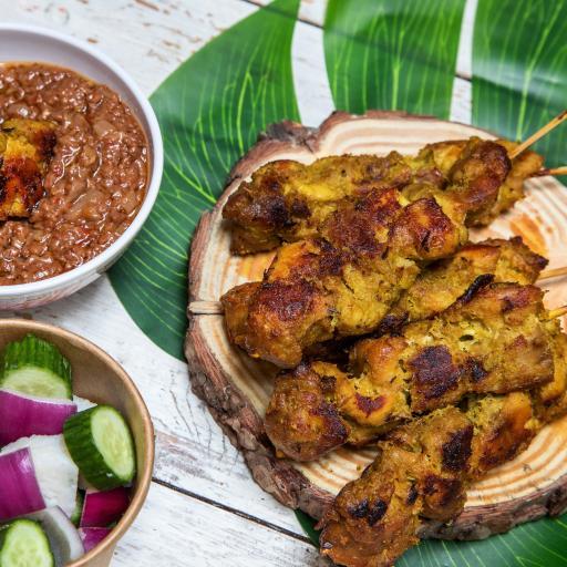 Satay with peanut sauce for 2